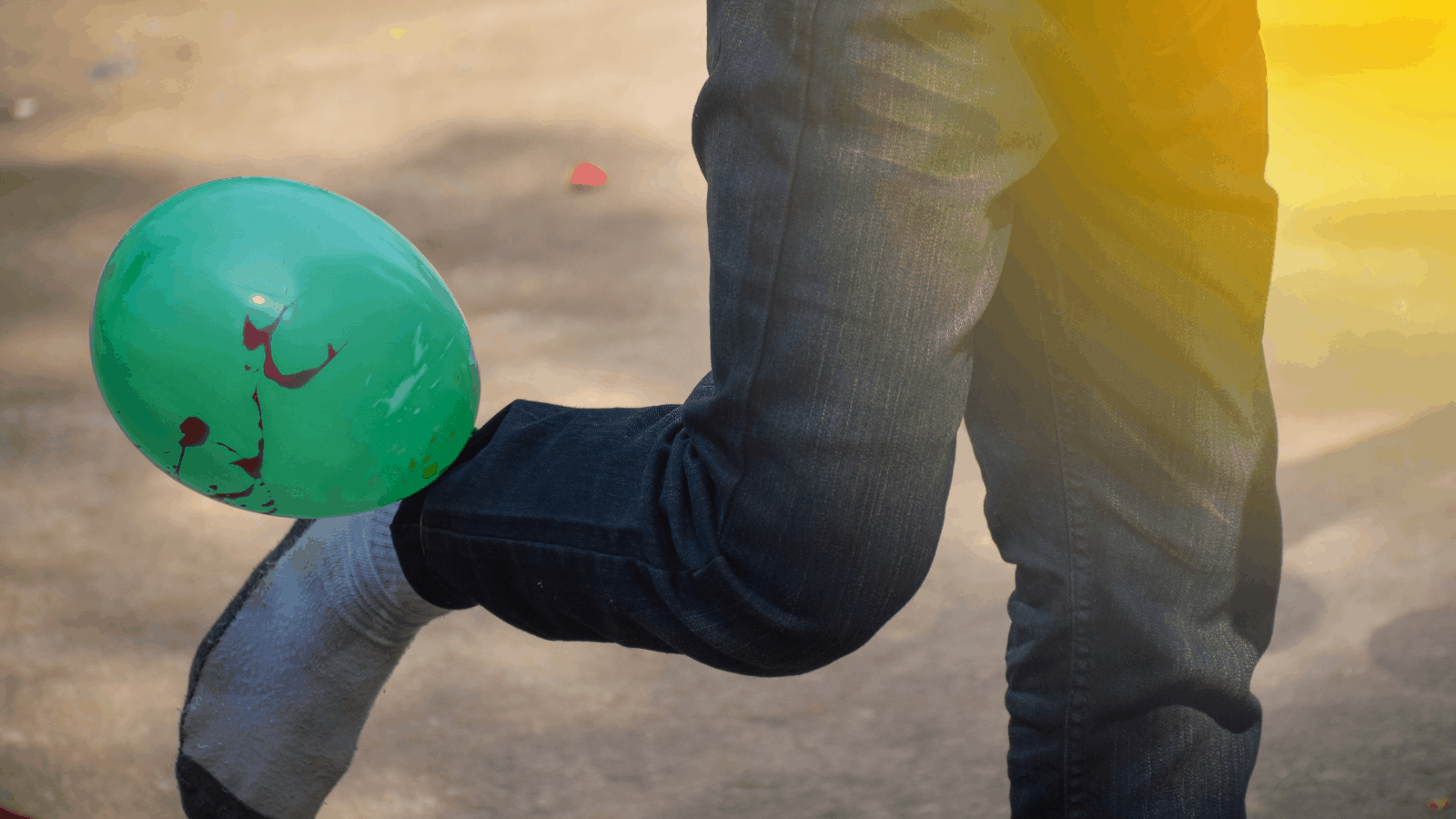 Balloon Stomp Party Games For Teens