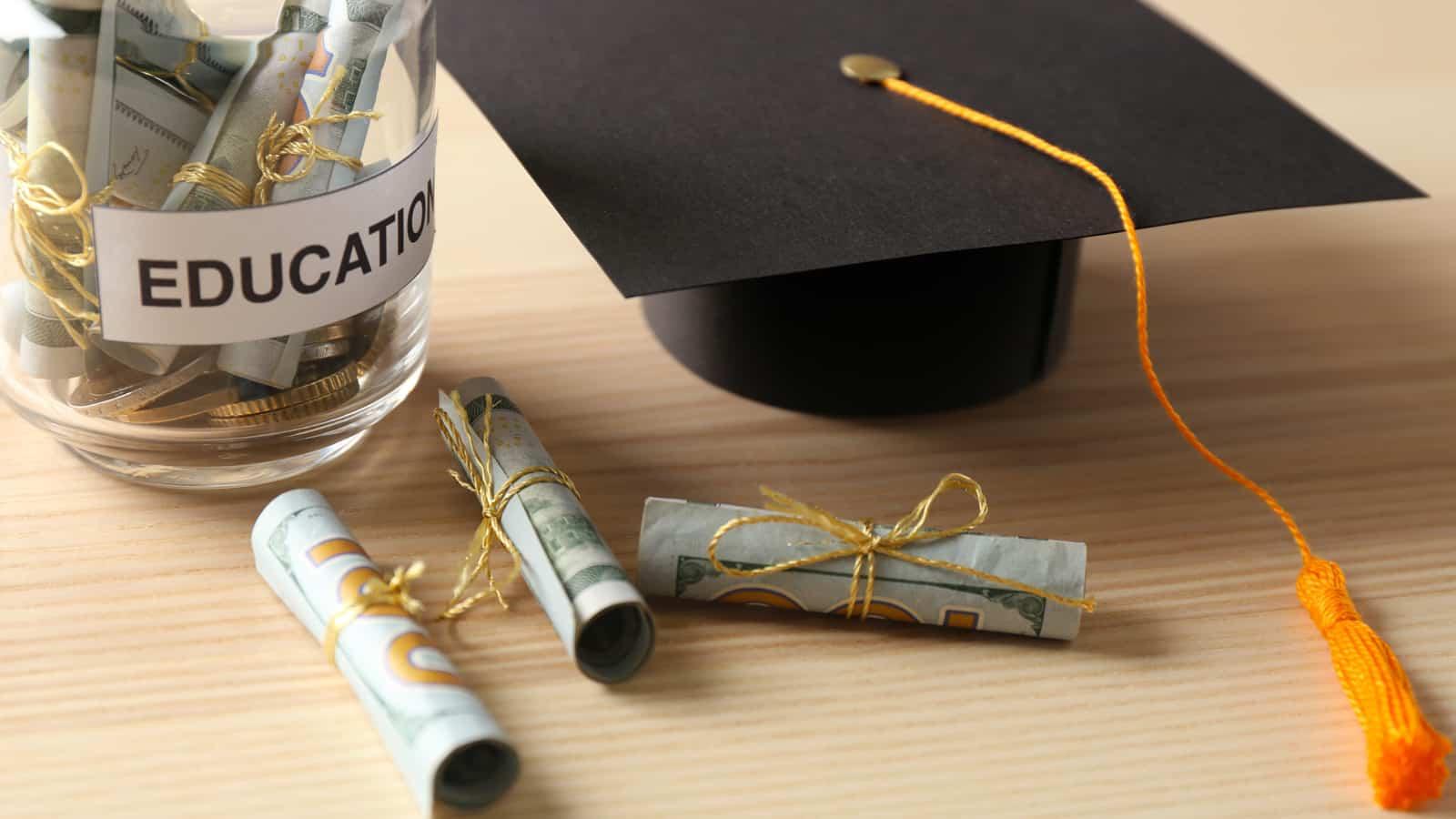 Simple Ways To Fund A College Savings Plan