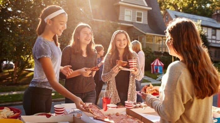 How To Develop Leadership Skills In Teenagers