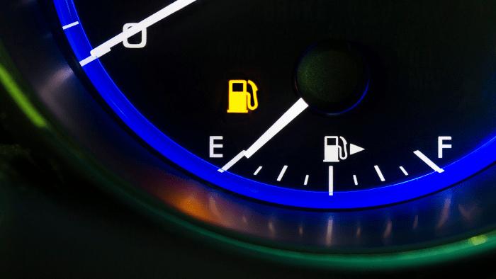 teach teen how to tank gas