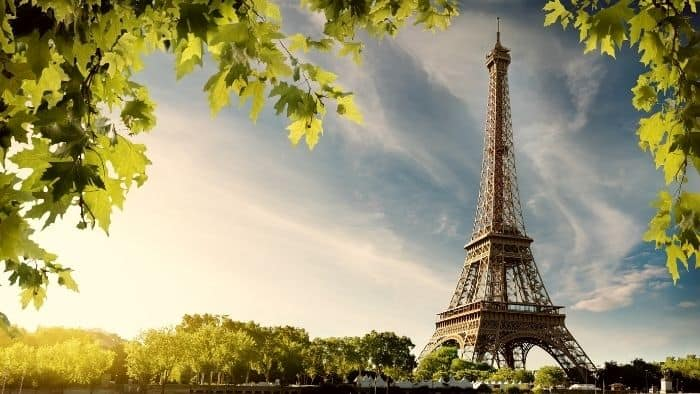 paris virtual tour indoor games for teenagers