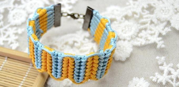 Half hitch knots bracelet