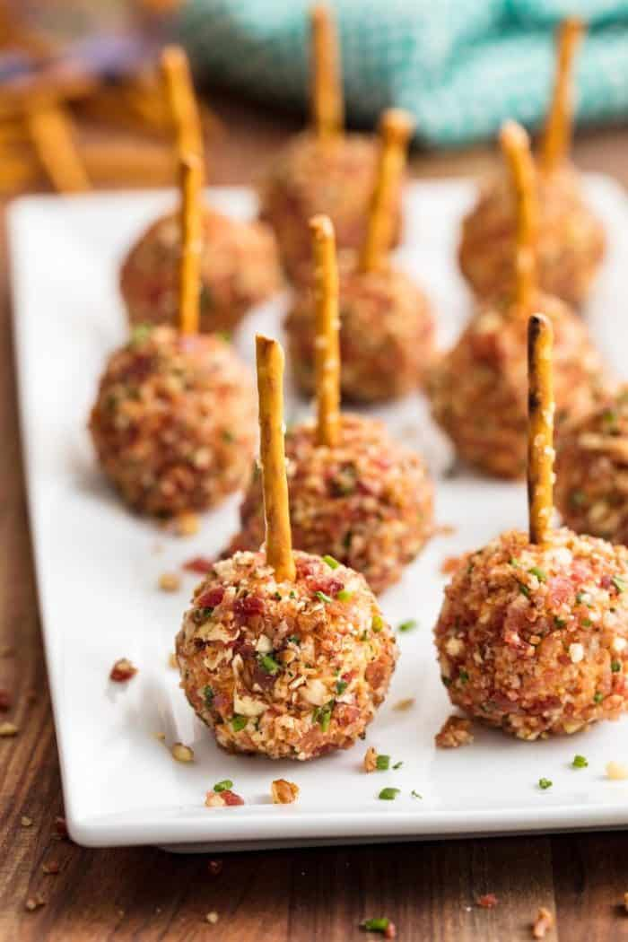 50 Affordable & Delicious Graduation Party Food Ideas