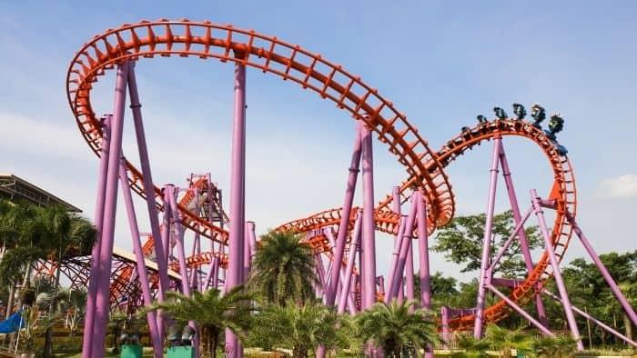 first date ideas for teens - amusement park