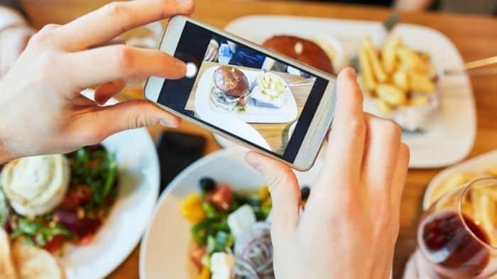 first date ideas for teens - restaurant hopping