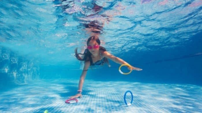 diving ring toss