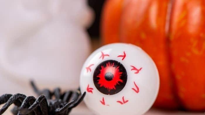 30+ Ghoulish Halloween Party Games For Tweens & Teens