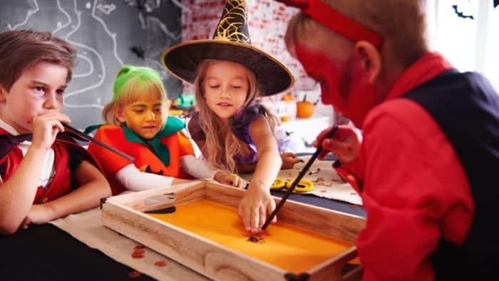 spider race tween halloween game
