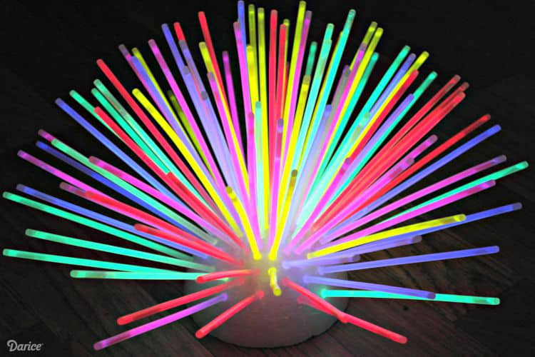 DIY-glow-stick-centerpiece