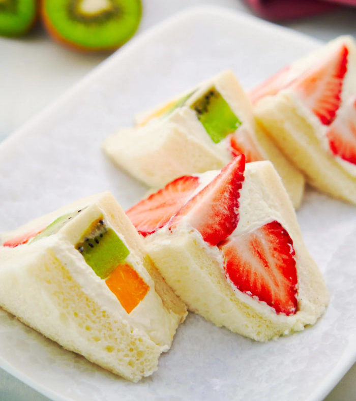 lunch for teens Japanese fruit sandwiches