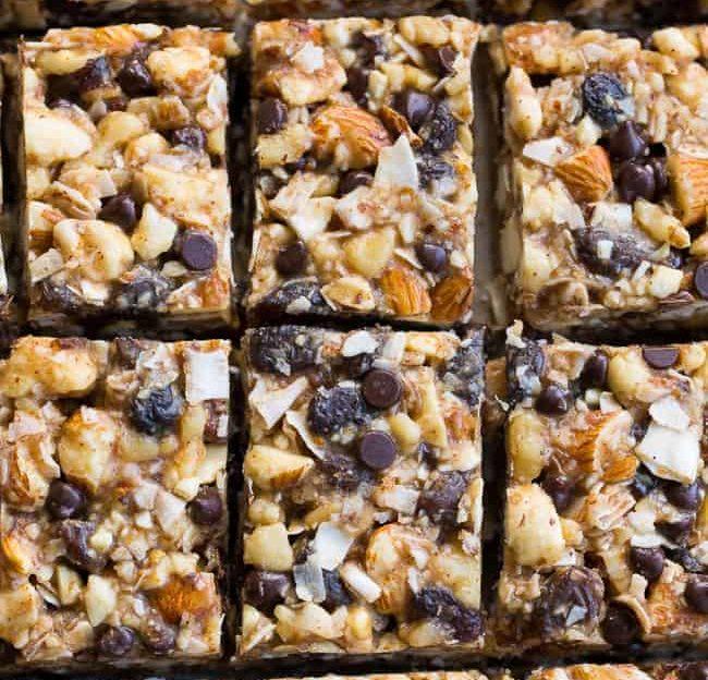 No-Bake Granola Bars with Raisins and Chocolate Chips