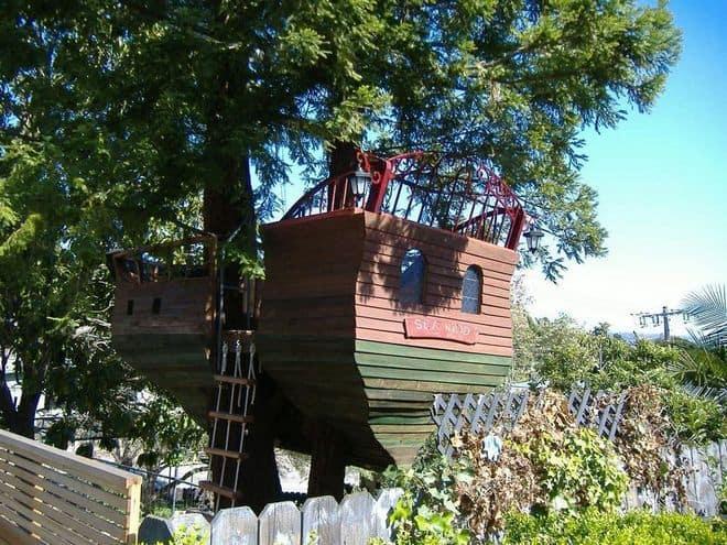 ship themed treehouse