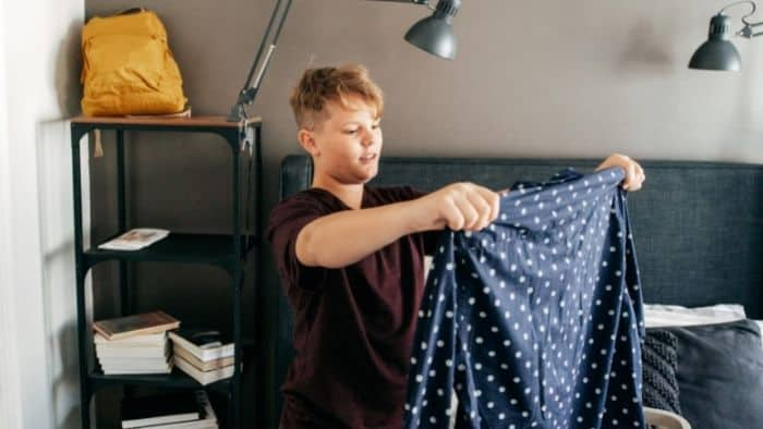 chores for teens - clothing